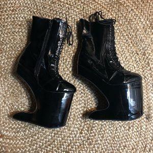 Gothic platform boots by Ellie 6 black NEW